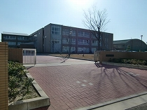 s-港中学校